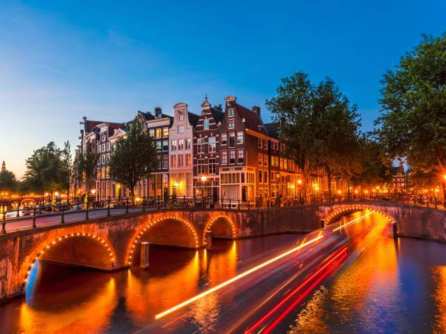 Book cheap Amsterdam flights with eDreams