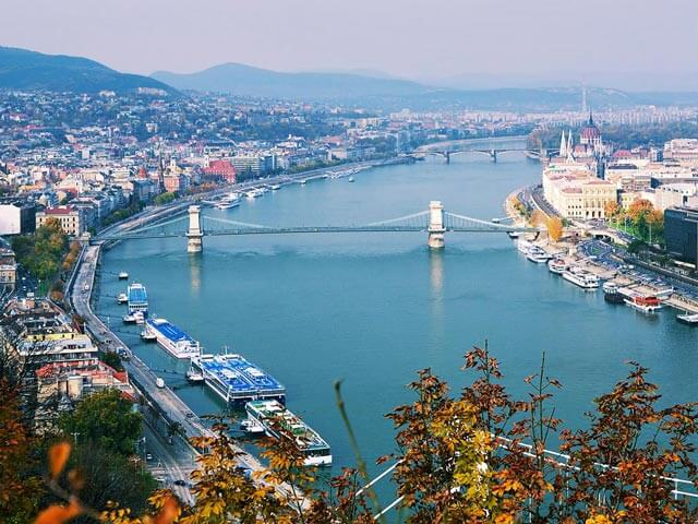 Book cheap Budapest flights with eDreams