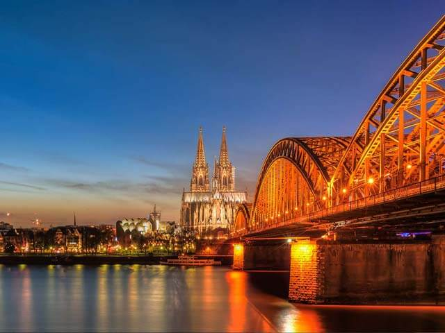 Book your holiday to Cologne with onefront-EDreams