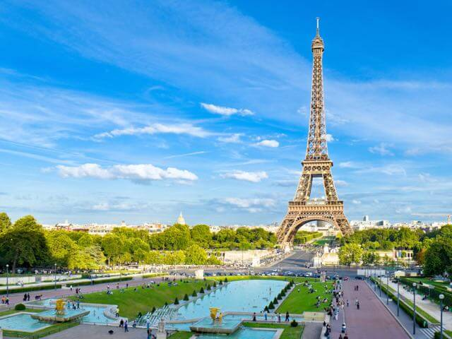 Book cheap Paris flights with eDreams