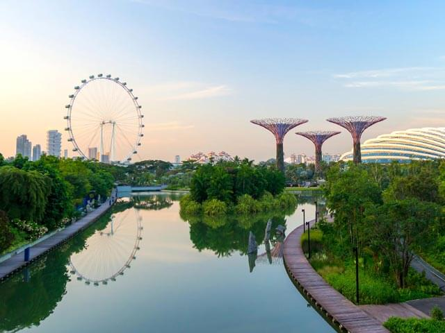 Book cheap Singapore flights with eDreams