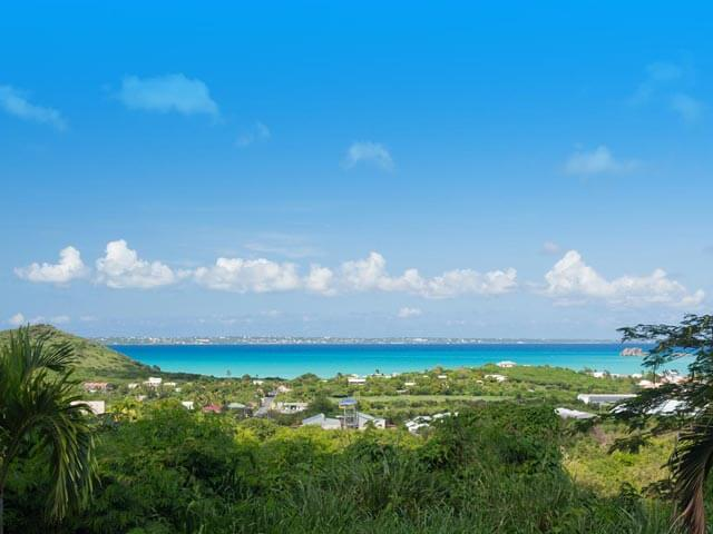Book cheap Saint-Martin flights with eDreams