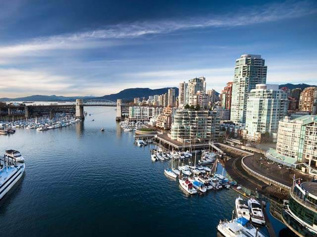 Book cheap Vancouver flights with eDreams